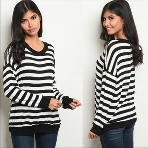Tops - New! Black and White Long Sleeve Stripe Top